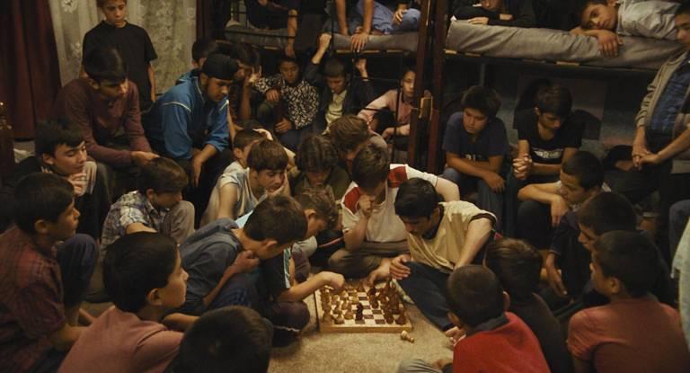 """Filme afegão """"O Orfanato"""", exibido na Quinzena dos Realizadores do Festival de Cannes, estreia no Brasil em dezembro"""