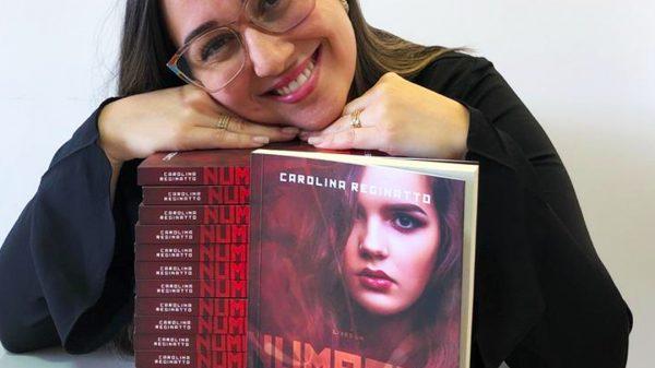 """Carolina Reginatto lança """"Numbers - As Runas do Poder"""""""